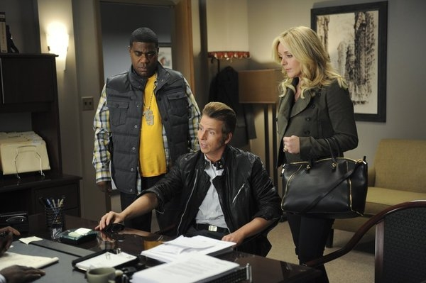 Tracy (Tracy Morgan) and Jenna (Jane Krakowski) push Kenneth (Jack McBrayer) over the edge. Of fashion