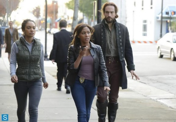 The team heading to save Macy.  A poor substitute for a Tom Mison skinny-jean picture