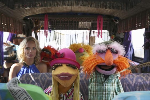 "THE MUPPETS - ""Ex-Factor""- Kermit is scrambling to find the perfect birthday gift for Denise, so he turns to Miss Piggy for help. Meanwhile, Kristin Chenoweth agrees to do a gig with The Electric Mayhem and inadvertently causes a rift between the band, on ""The Muppets,"" TUESDAY, NOVEMBER 3 (8:00-8:30 p.m., ET) on the ABC Television Network. (ABC/Carol Kaelson) KRISTIN CHENOWETH, ANIMAL, JANICE, LIPS, FLOYD PEPPER"
