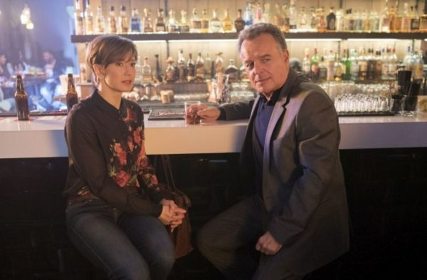 Still of Carrie Coon and Ray Wise in Fargo season three, episode three